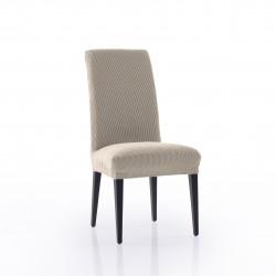 Glamour avec couverture arrière chaise